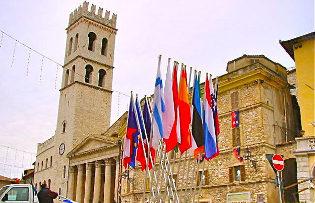 immobili assisi