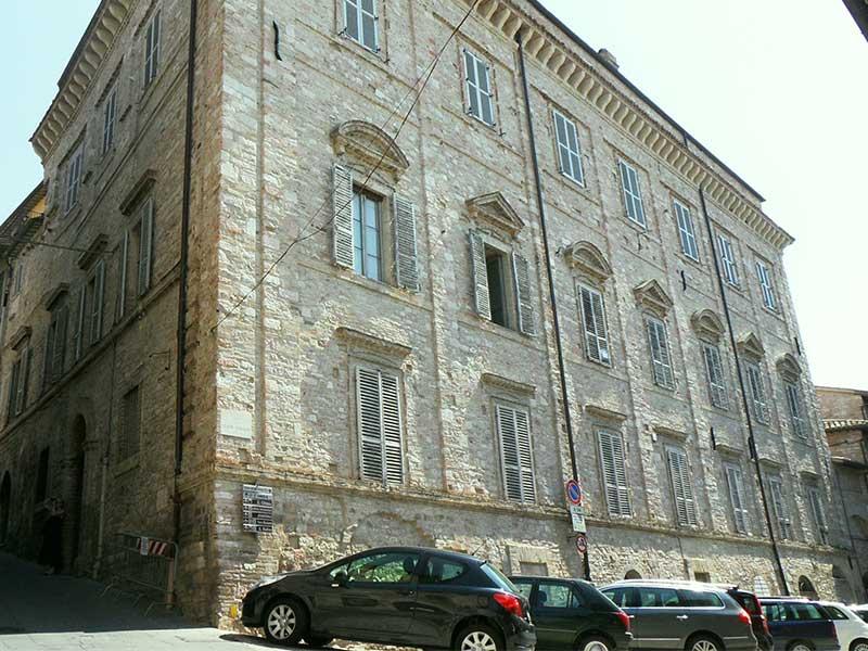 Vendita Appartamento Assisi / Sell Apartment Assisi – Piazza Sbaraglini
