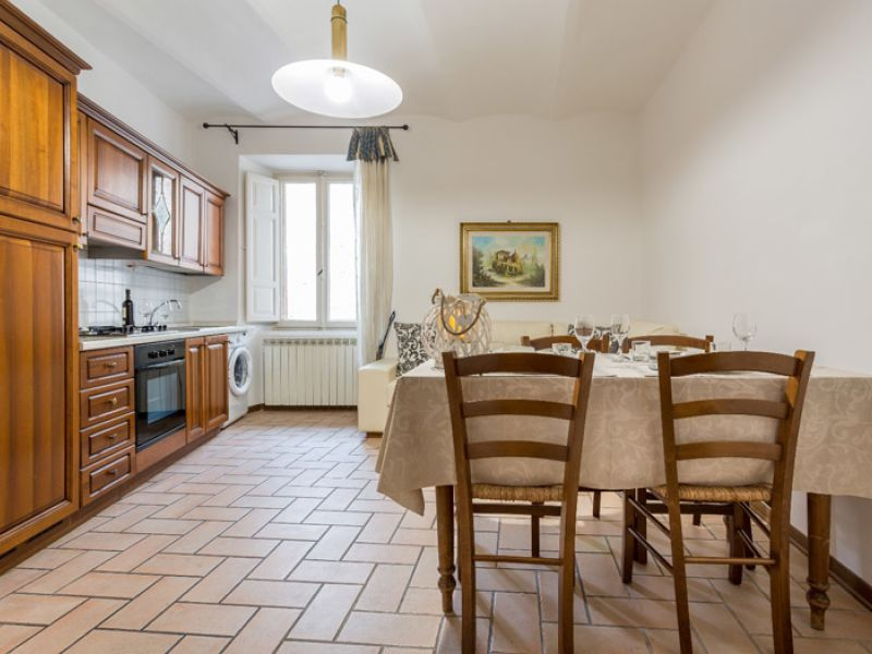 Affitto Appartamento Assisi / Rent Apartment Assisi – Via Portica 2