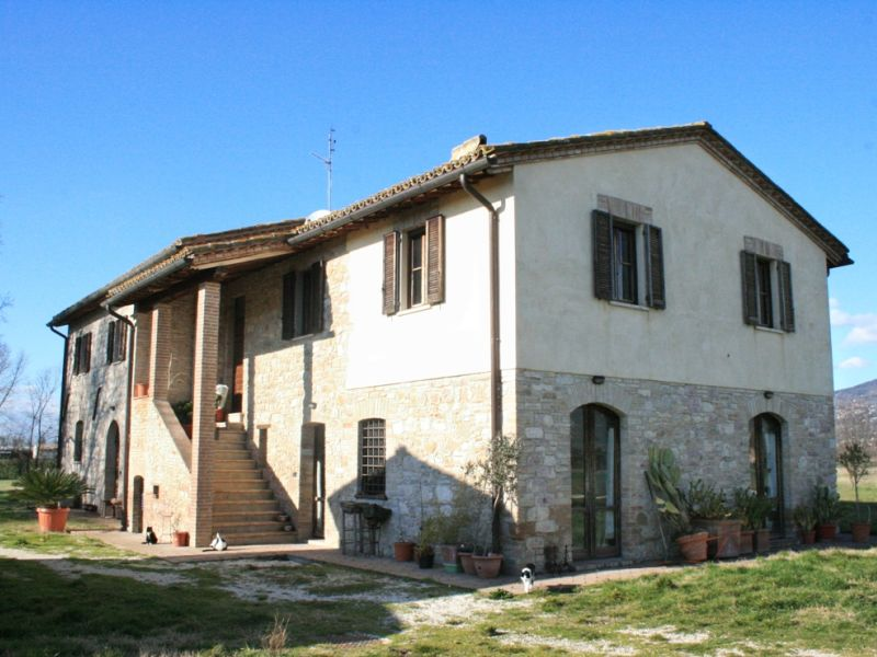 Casale Assisi / Farmhouse Assisi – Loc. Rivotorto