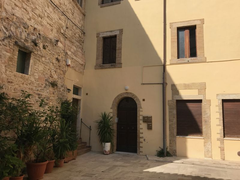 Affitto Appartamento Assisi / Rent Apartment Assisi – Via Arco dei Priori