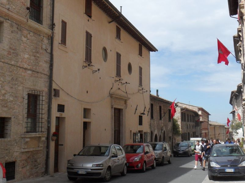 Affitto Appartamento Assisi / Rent Apartment Assisi – Via San Francesco