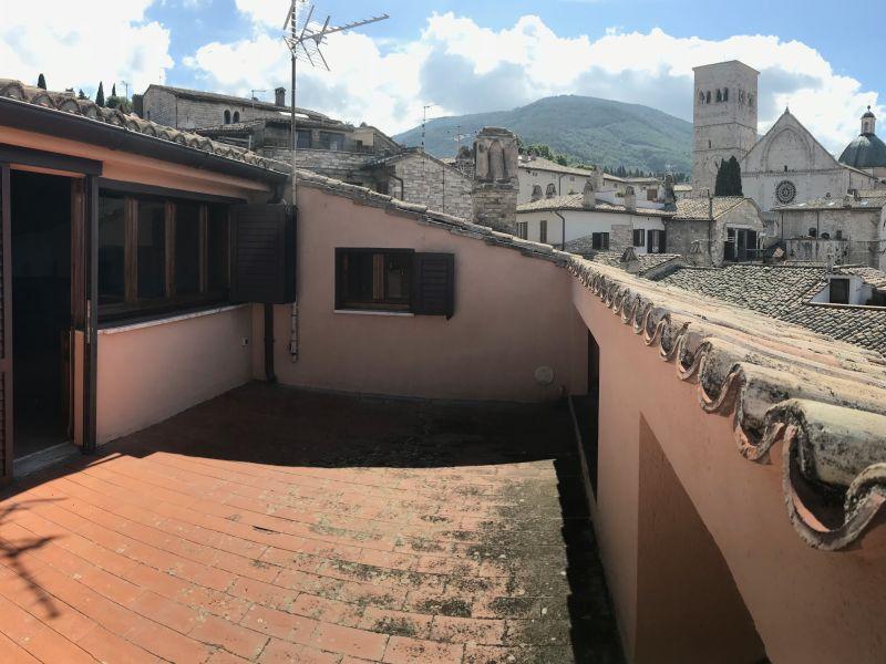Affitto Appartamento Assisi / Rent Apartment Assisi – Via San Rufino