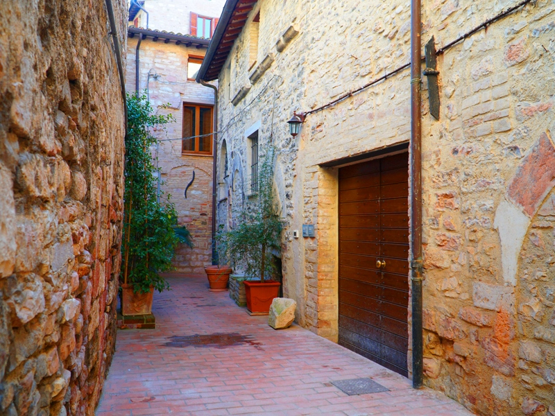 Vendita Appartamento Assisi / Sell Apartment Assisi – Piazzetta Sbaraglini 01