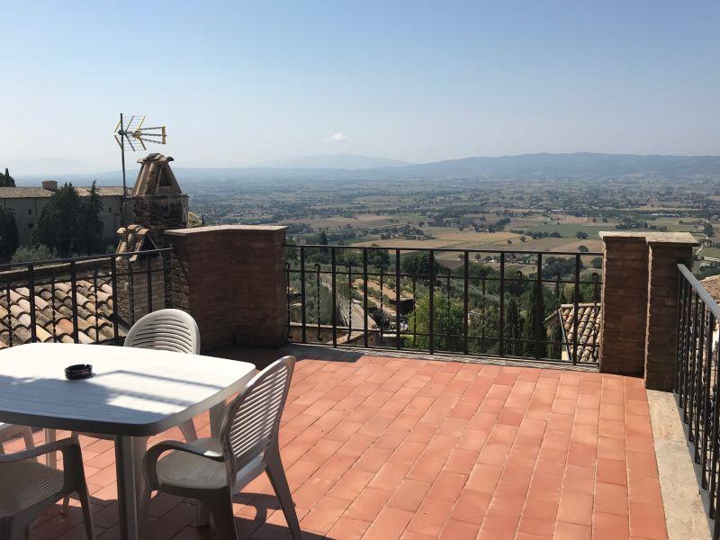 Affitto Appartamento Assisi / Rent Apartment Assisi – Corso Mazzini