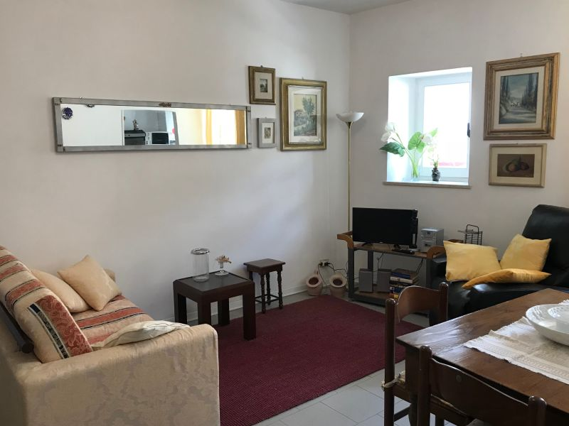 Affitto Appartamento Assisi / Rent Apartment Assisi – Via Metastasio