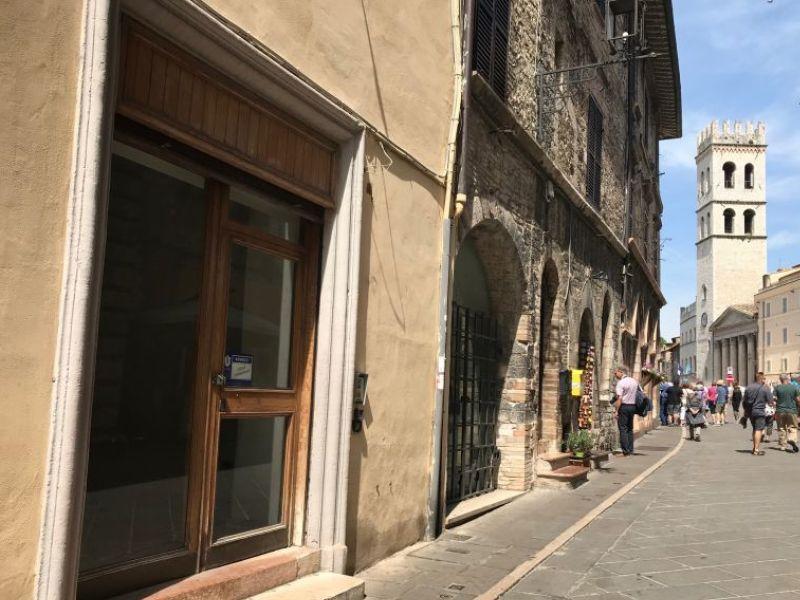 Vendita Locale Commerciale Assisi / Sell Commercial Assisi – Corso Mazzini