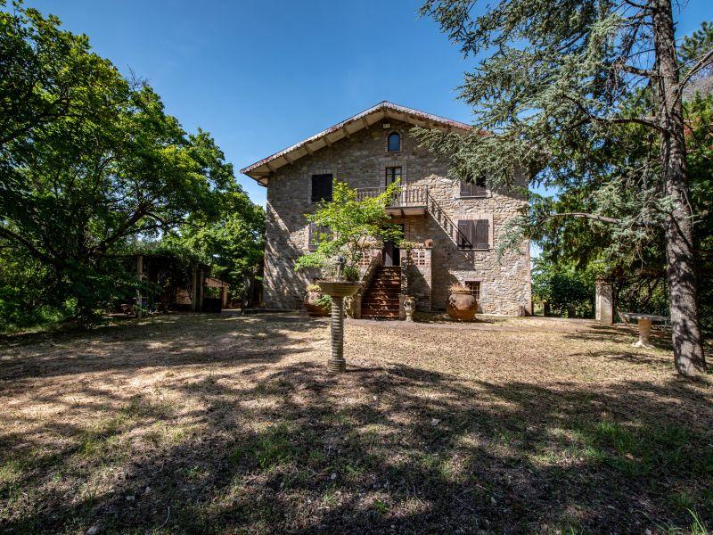 Vendita Casale Assisi / Sell Farmhouse Assisi – Loc. Valfabbrica