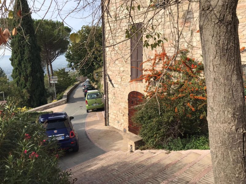 Affitto Appartamento Assisi / Rent Apartment Assisi – Via Moiano