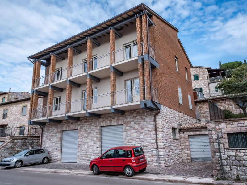 Vendita Fabbricato Indipendente Assisi / Sell Independent Building Assisi – Via Madonna dell'Olivo
