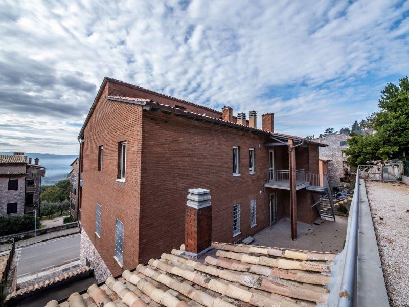 Vendita Appartamento Assisi / Sell Apartment Assisi – Via Madonna dell'Olivo 01