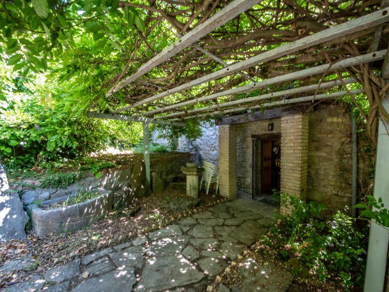 Vendita Casolare Assisi / Sell Farmhouse Assisi – Via Petrata
