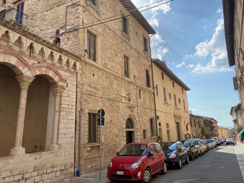 Vendita Appartamento Assisi / Sell Apartment Assisi – Via San Francesco