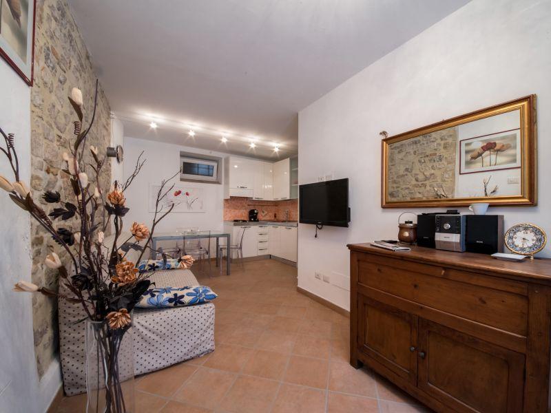 Affitto Appartamento Assisi / Rent Apartment Assisi – Via Comune Vecchio