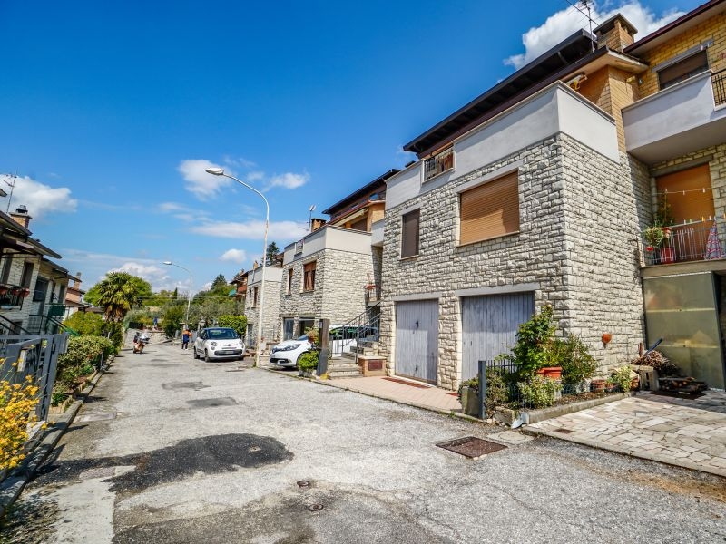 Vendita Cielo-Terra Assisi / Sell Multi Storey Assisi – Via San Benedetto
