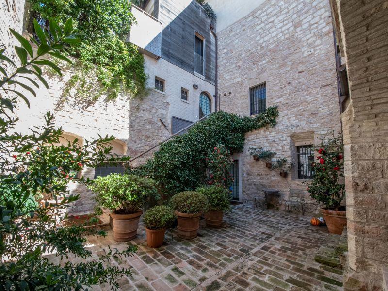 Vendita Immobile Assisi / Sell Real Estate Assisi – Vicolo della Fortezza 01